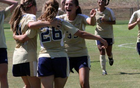 Women's soccer team recruits 19 freshmen