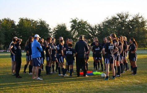 Women's soccer blasts opponents with record-breaking wins