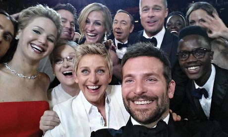Oscar night included pizza, selfies and statues